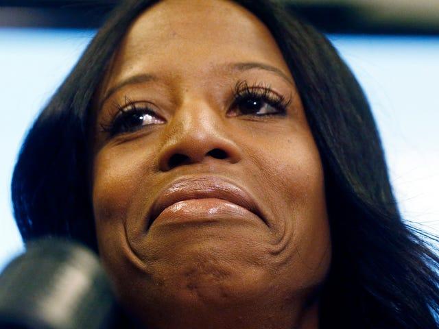 Es ist eine dünne Linie zwischen Liebe und Trumpf: Mia Love ist sauer auf Präsidentin, nachdem sie ihren Haussitz verloren hat