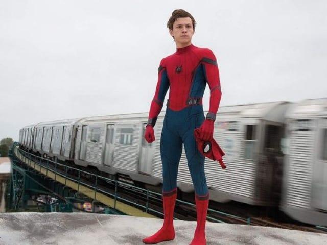Tom Holland cree que ha pronunciado mal la palabra &#39;multiverso&#39; durante todo el rodaje de <i>Spider-Man: Far from home</i>