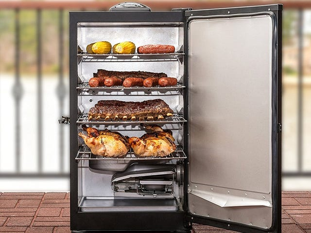 Put Your Meat On Autopilot With This $114 Masterbuilt Electric Smoker