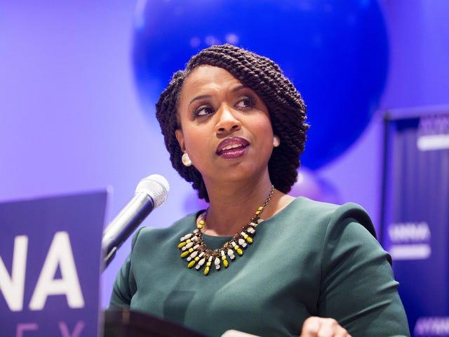 Abgeordnete Ayanna Pressley reagiert auf die Wiedereinsetzung der Todesstrafe durch die Bundesregierung mit eigenen Gesetzen