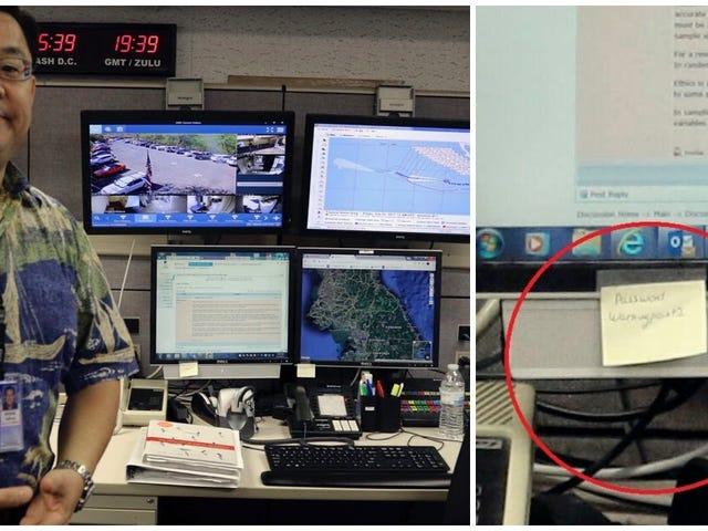 Los funcionarios que emiten las alertes de misiles og Hawai er ikke tilmeldt, men det er ikke sikkert, at de er post-it