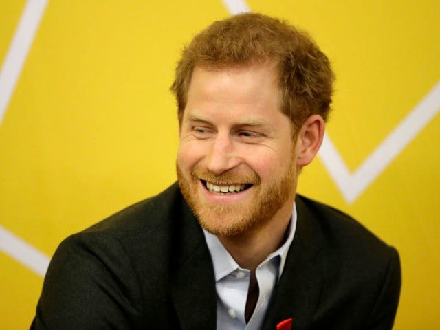 """<a href=https://www.avclub.com/is-prince-harry-moonlighting-as-quarterback-for-the-phi-1820886825&xid=17259,15700023,15700124,15700149,15700168,15700173,15700186,15700189,15700191,15700201,15700205 data-id="""""""" onclick=""""window.ga('send', 'event', 'Permalink page click', 'Permalink page click - post header', 'standard');"""">Prins Harry måler som quarterback for Philadelphia Eagles?</a>"""