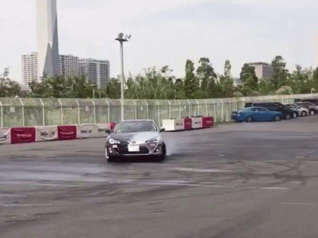 El CEO de Toyota es un neumático que destruye a Hoon como nosotros después de todo