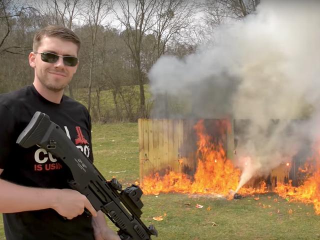 A arma favorita de todos, Loving YouTuber está tendo um tempo difícil