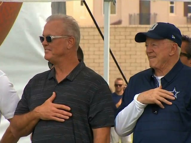 Anthem Respecter Jerry Jones Doesn't Even Respect The Anthem By His Own Standards