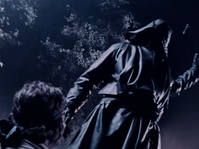Rencontrez M. Jingles, American Horror Story: le slasher masqué de 1984, dans la première bande-annonce complète de la saison