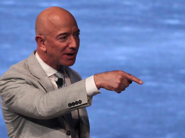 Jeff Bezos ansaitsee 1,8 miljardia dollaria Amazonin osakkeita, pitää 1,4 miljardia dollaria verojen jälkeen
