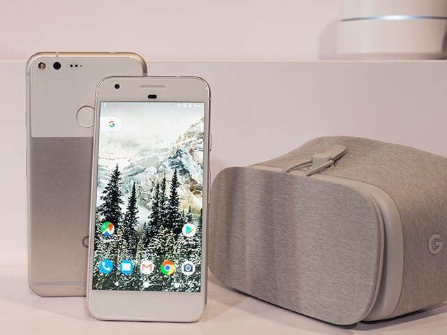 Buy a Google Pixel, Get a $100 Best Buy Gift Card and a Chromecast For Free