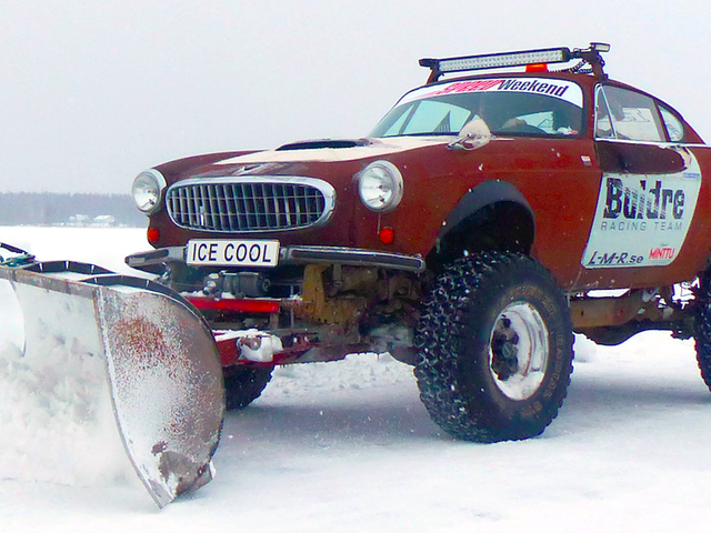 Sweden's 'Speed Weekend On Ice' Is Where Sanity Goes To Die And Axles Go To Break