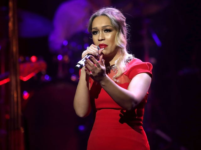 Rebecca Ferguson Offers to Perform 'Strange Fruit' at Trump's Inauguration