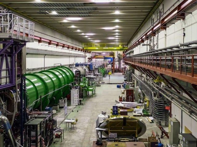 Les chercheurs du CERN pensent qu'ils ont vu de rares décompositions de particules qui pourraient conduire à une nouvelle physique