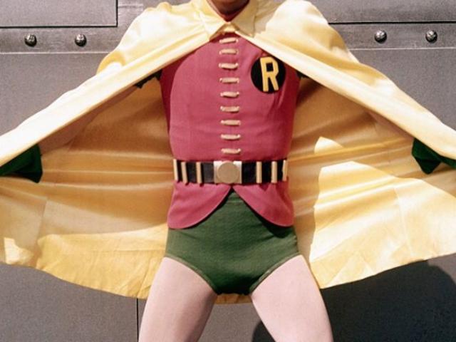 Batman aktör Burt Ward iddiaları ABC onun süper kahraman penisini küçültmek için hap verdi