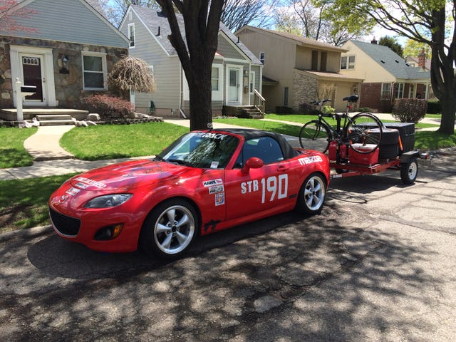 Dead planes and pork barbecue: Running my Miata at the Blytheville Pro
