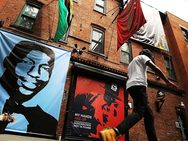 Justice Department Won't Bring Charges Against NYPD Officer in Eric Garner's Death