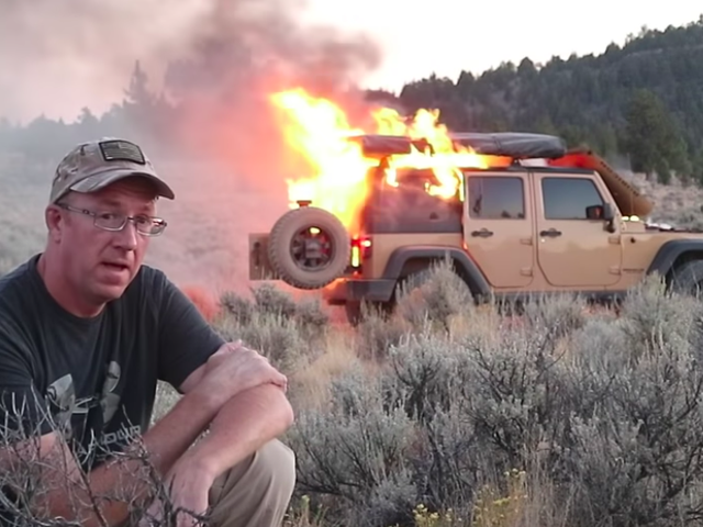 Off-Road Vlogger Records His Jeep Wrangler Going Up in a Huge Fireball