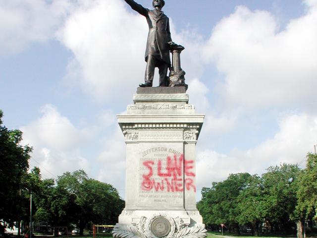 Pembuangan Simbol-simbol New Orleans Menghormati Pengkhianat dan Pengganas Domestik Terlalu Lama