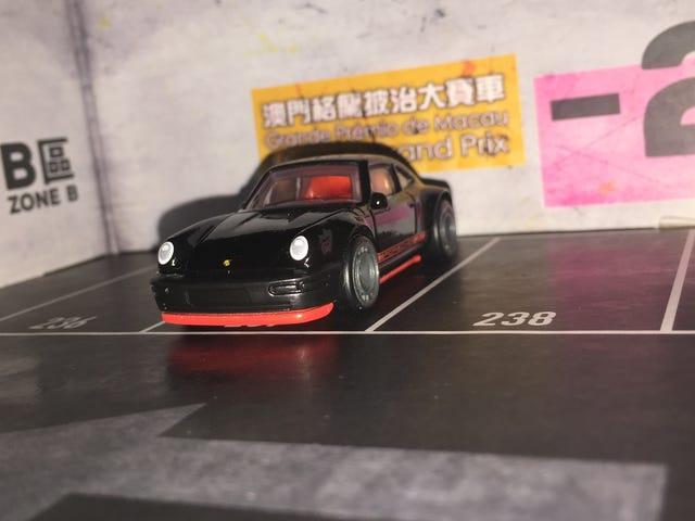 Stuttgart Sunday : A black X red 964...