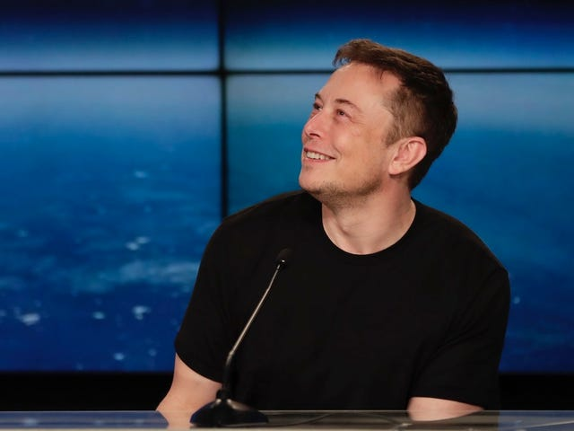 Elon Musk Deletes Facebook Pages for SpaceX and Tesla
