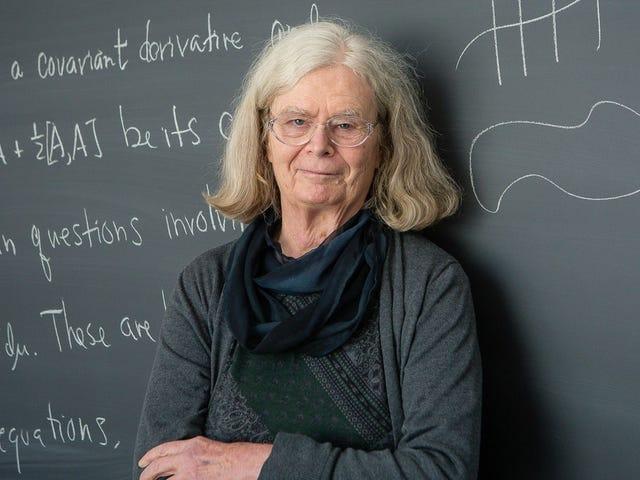Teori Bubble Soap adalah Wanita Pertama yang memenangkan 'Hadiah Nobel' Matematika