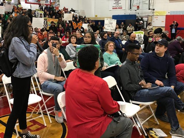 Xem Nữ sinh trung học này sẽ đảm nhận vai trò Đại hội toàn thể vô ích