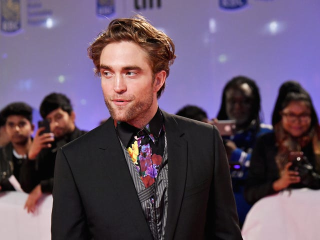 Robert Pattinson Left the House for the First Time Since Yesterday