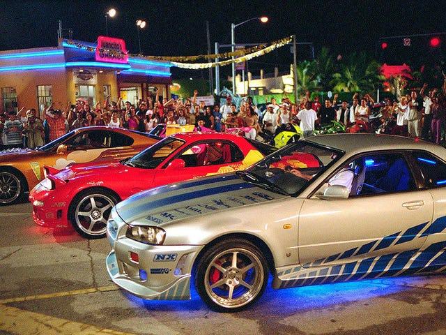 Nissan Skyline в 2Fast 2Furious Beat a Dodge Neon SRT-4 для роли