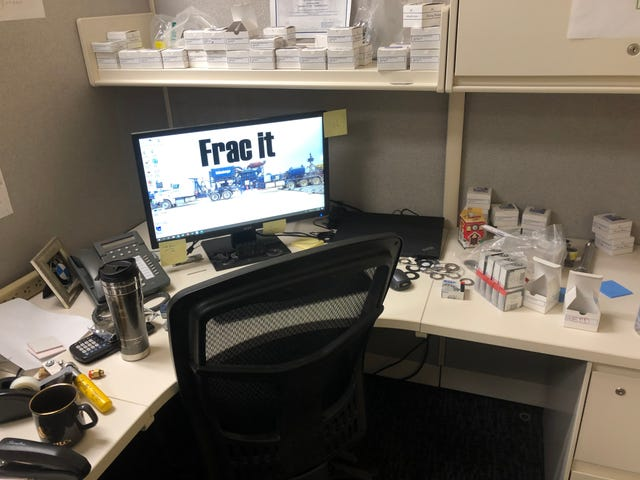My desk is so messy that I almost lost a Malaysian Airlines 777