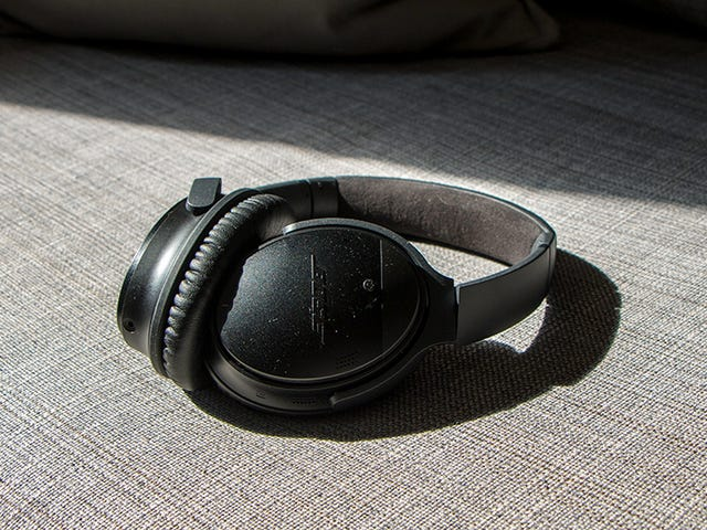 Bose Is Blowing Out Noise Canceling QC 35 Refurbs For $199, While They Last