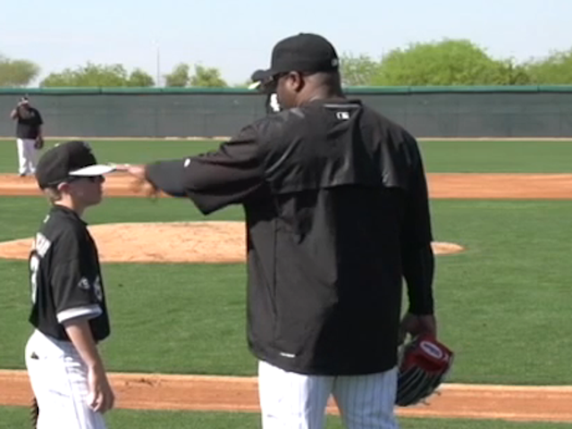 Bo Jackson Had To Explain Who He Was To This Dumb Child