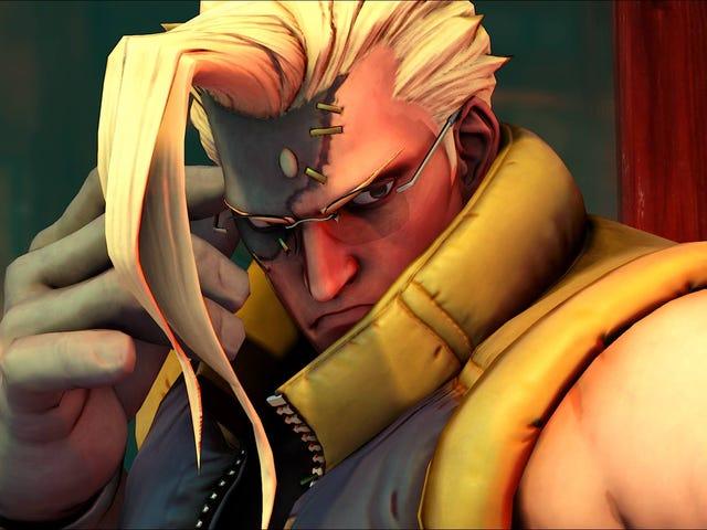 처음으로 <i>Street Fighter</i> 의 Charlie는 오랫동안 액션을 보았습니다.