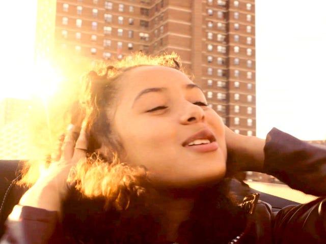 Escort laat nieuwe video vallen, brengt nieuw album uit, wil dat u uw beste leven leidt