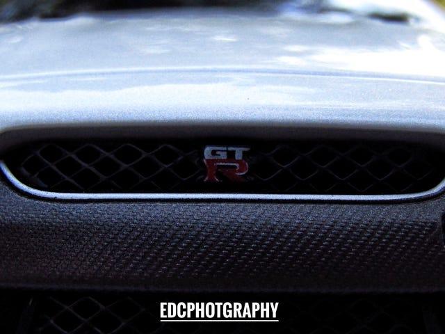 BBurago/Maisto Nissan GTR