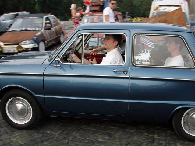 Tässä on tapahtunut, kun Hosted a Car Meet in Budapest