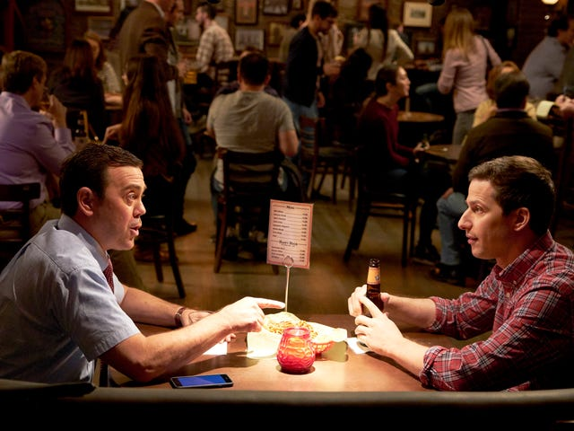 After a double feature, Brooklyn Nine-Nine pulls out a strangely safe episode