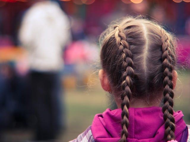 Cómo ayudar a su hijo a lidiar con el rechazo social