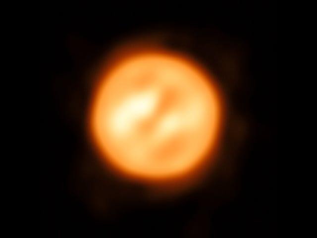 La imagen detallada de una estrella cercana presenta un misterio inesperado