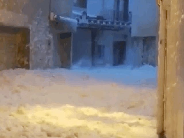 A Spanish Beach Town Is Filling Up With Sea Foam