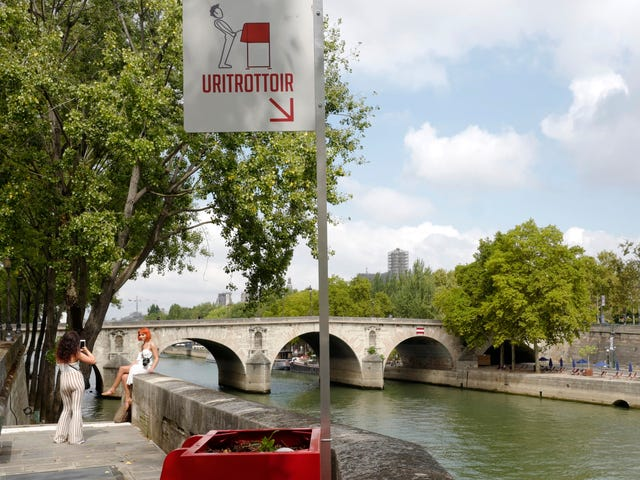 Paris' Solution to Its Public Urination Problem Is Open-Air Piss Boxes