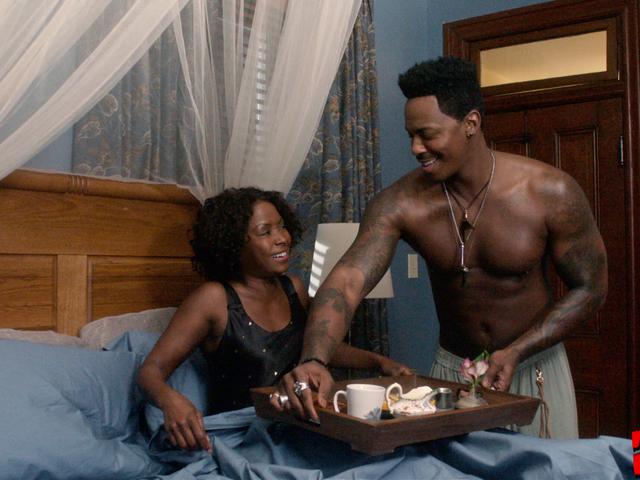 Negro Noir: A Fall From Grace and the Curious Case of Wigs, (Diner) Vin och Wayward-filmskapning