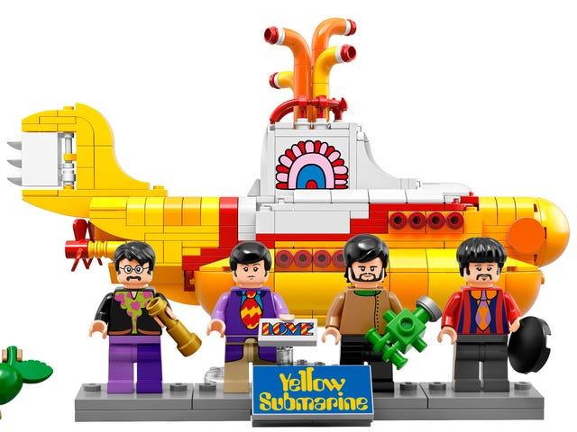 Tất cả chúng ta đều sống trong một chiếc tàu ngầm Lego màu vàng chính thức