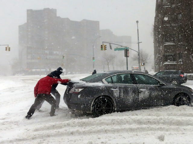 New York Governor To Close All Public Roads In NYC