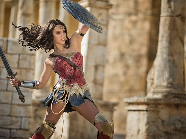 Wonder Woman Cosplay Is Ready For The Big Screen