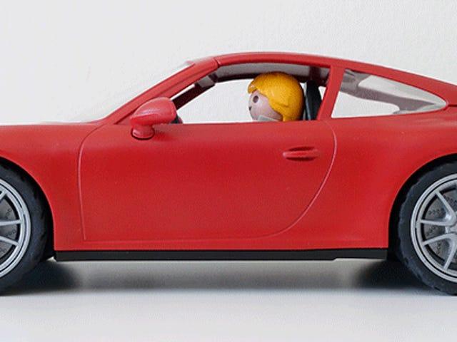 Iemand vergat Playmobil te vertellen dat een speelgoed-Porsche er niet fantastisch uit moet zien