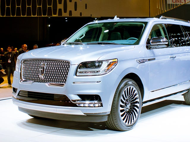 The Lincoln Navigator Is The Enormous SUV Lincoln Finally Deserves