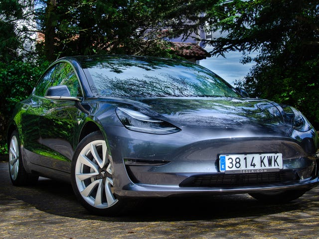 36 cosas que aprendí sobre el Tesla Model 3 tras probarlo a fondo