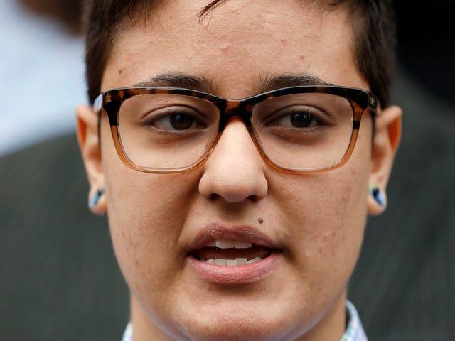 변호사, DREAMer가 미디어에 연설 한 후 청문회없이 추방 될 것이라고
