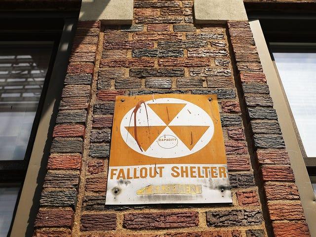 New York supprime les anciens panneaux d'abri nucléaire Fallout en mouvement qui semble prématuré