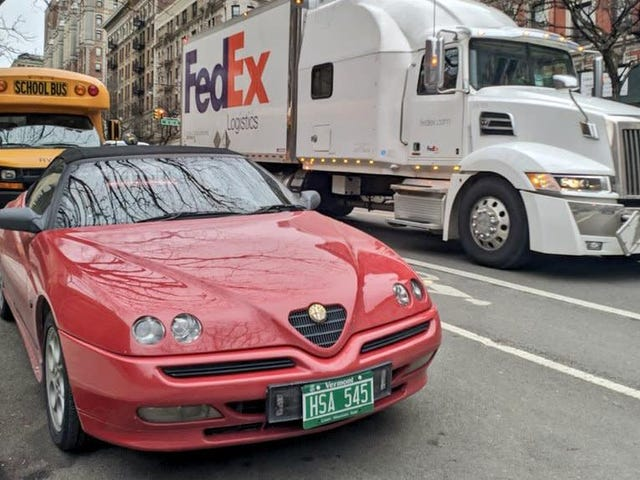 Dieser Alfa ist in Manhattan fehl am Platz, aber er gehört in unsere Herzen