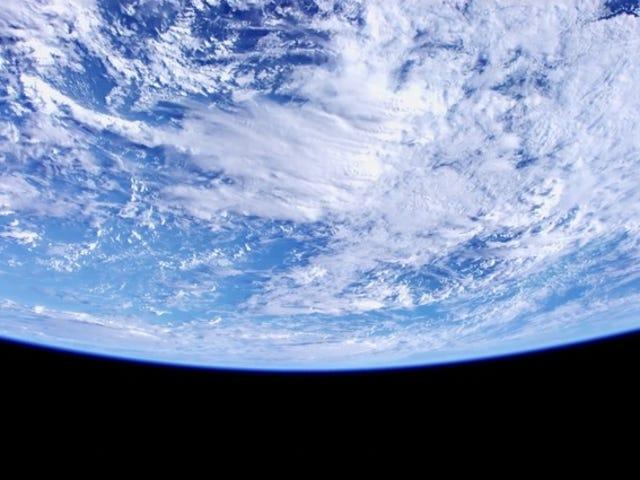 Los primeros vídeos a 4K desde la ISS sonen sublimes (y un Poco aburridos)