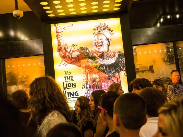 「ラフィキ」女優はなぜライオンキングがブロードウェイの最も黒くて最も伝説的なショーの1つであるかを説明します